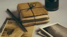 Gamla bilder och anteckningsböcker